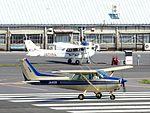 Cessna 172 Skyhawk II taxiing at Chofu Airport.jpg