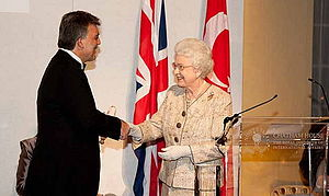 Turkey–United Kingdom relations - Turkish President Abdullah Gül and Queen Elizabeth II. of the UK at the Chatham House Prize ceremony, November 2010.