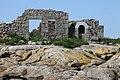 Chausey, une ruine sur l'île aux oiseaux.jpg