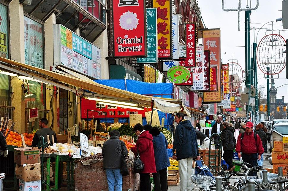 Chinatown toronto spadina avenue