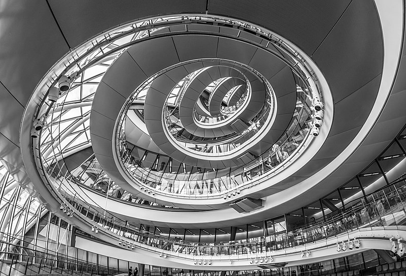 File:City Hall, London, Spiral Staircase - 1.jpg
