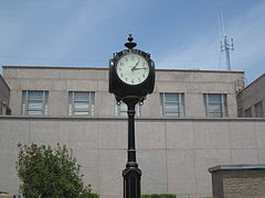 Clock at Burnet County, TX, Courthouse IMG 1986.JPG