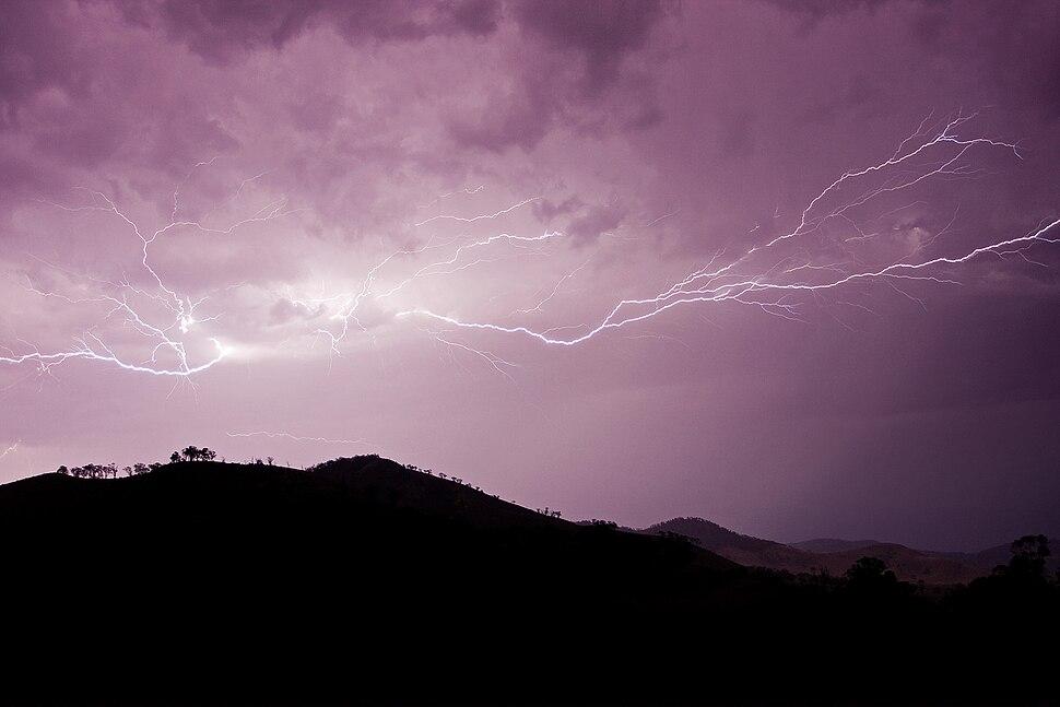Cloud to cloud lightning strike nov08