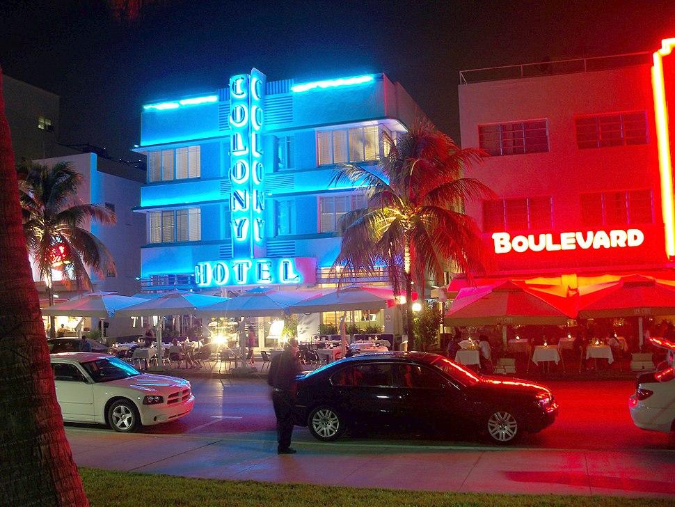 Colony Hotel Miami Beach Izzy