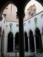 Columna del claustret de la cocatedral de santa Maria de Castelló.jpg