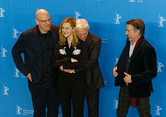 The Dinner (2017 film) - Oren Moverman (left) with cast of the film at Berlinale 2017