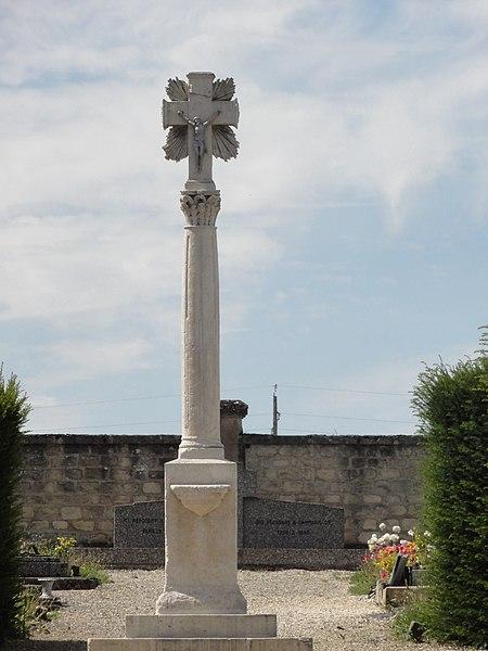 Dammarie-sur-Saulx (Meuse) croix de cimetière