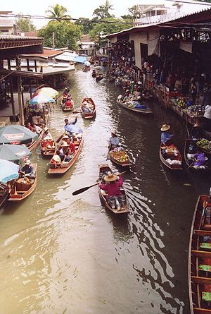 Floating market - Damnoen Saduak Floating Market in Ratchaburi, Thailand, is a famous tourist attraction.
