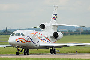 Dassault Falcon 7X - Falcon 7X on taxiway, 14 cabin windows