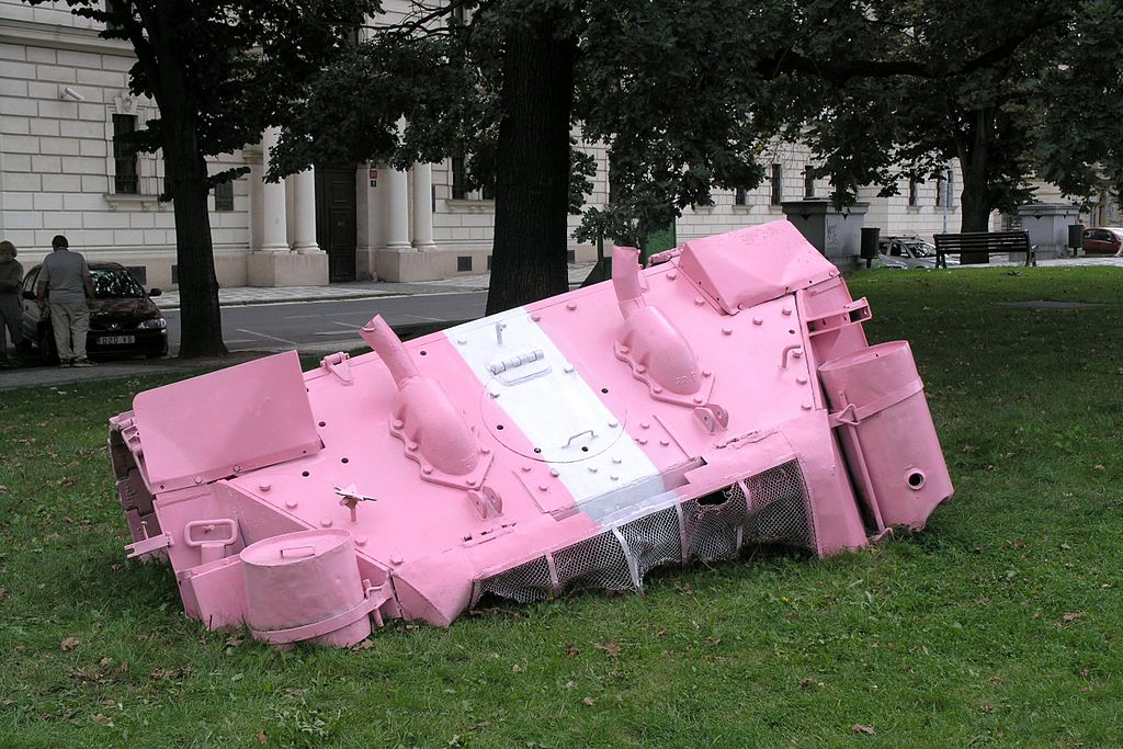 David Cerny - ruzovy tank 2008 2