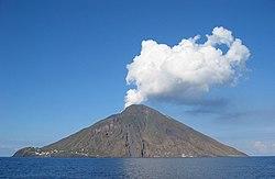 volcan stromboli italia: