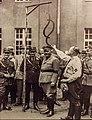 Der Preußische Justizminister Hans Kerrl bei einem Besuch im Referendarlager in Jüterbog.jpg