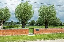 Deutscher Soldatenfriedhof Laventie.jpg