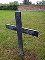Deutscher Soldatenfriedhof Steenwerck Flickr 6906378123.jpg