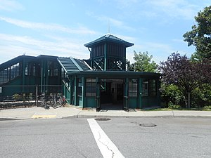 Dobbs Ferry, New York - Dobbs Ferry station pedestrian bridge from Station Plaza at Palisades Street.