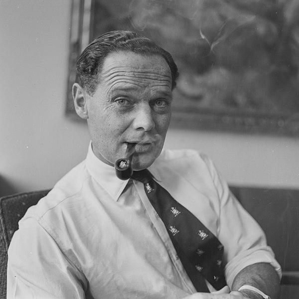 File:Douglas Bader 1955.jpg