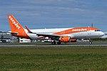 EasyJet, G-EZPI, Airbus A320-214 (29241833517).jpg