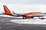 EasyJet, G-EZRZ, Airbus A320-214 (40659056403).jpg