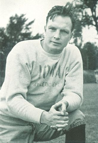 Eddie Anderson (American football coach) - Anderson as coach of the Iowa Hawkeyes in 1940