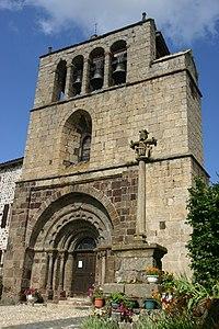 Eglise Saint-Pierre à Arlempdes (Haute-Loire).jpg