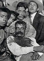 El cadáver de Zapata exhibido en Cuautla, Morelos, el 10 de abril de 1919.