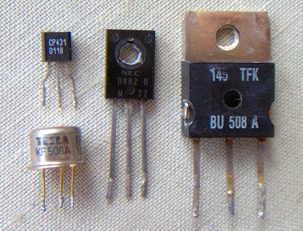 1024px-Electronic_component_transistors.