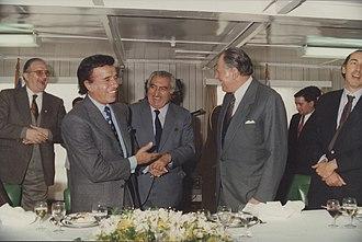 Carlos Menem - Menem and Chilean president Patricio Aylwin, in 1993.