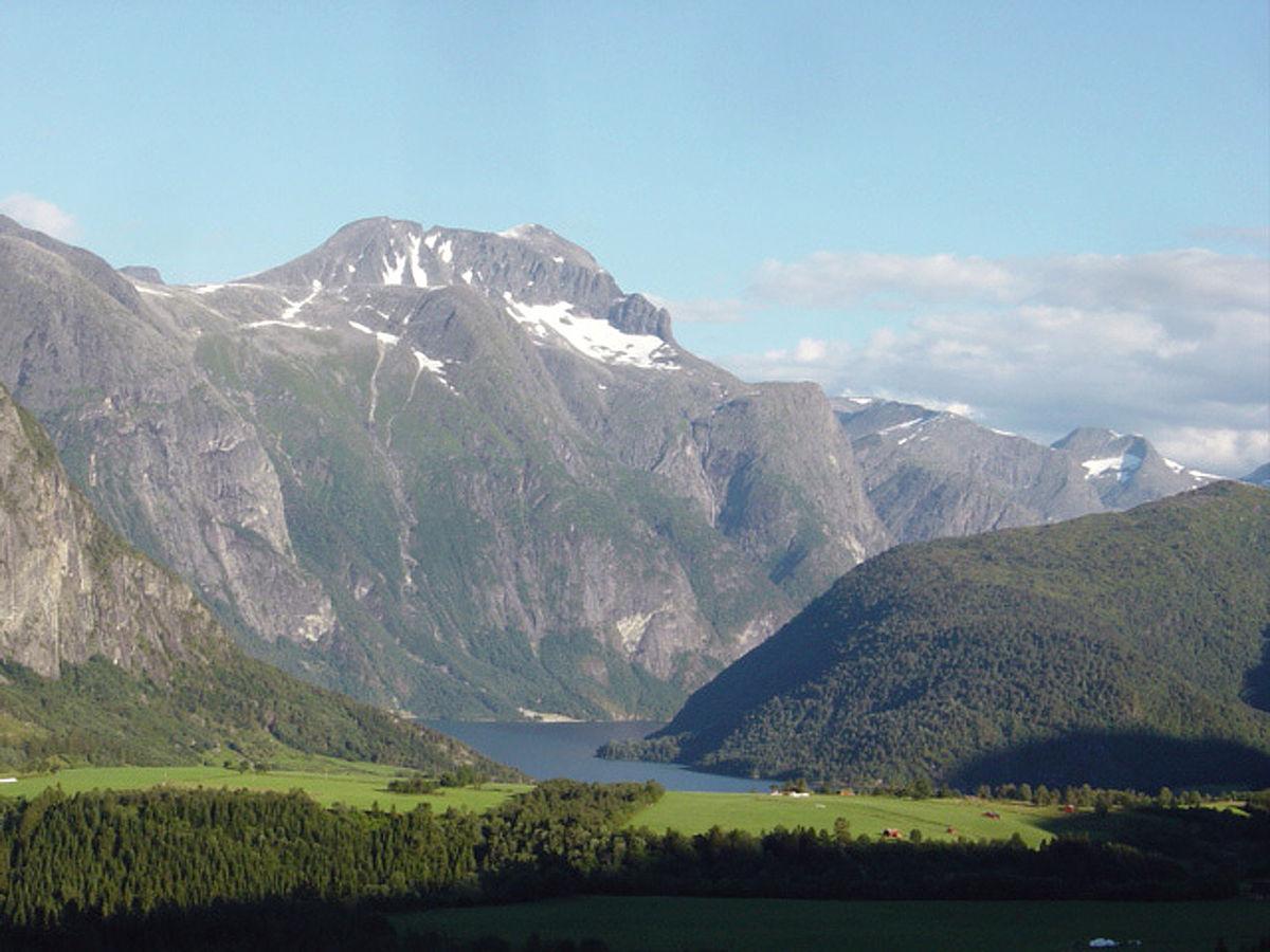 eresfjord kart Eresfjord – Wikipedia