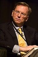 Eric E Schmidt, 2005 (looking left)