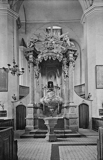 St Mary's Cathedral, Fürstenwalde - The cathedral's original pulpit altar, photographed in 1909.
