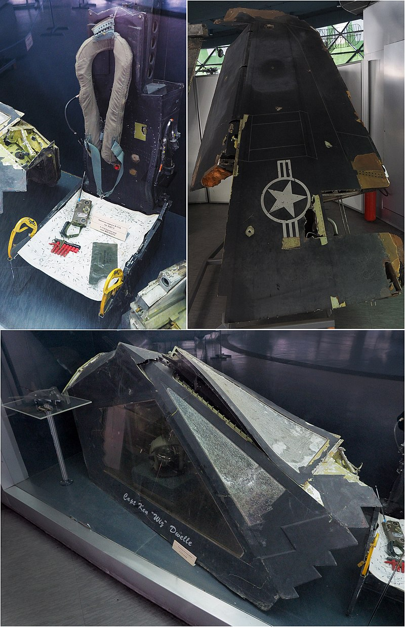 20 سنه مرت : كيف اسقطت صربيا اول طائره شبح في العالم  800px-F-117_%28Canopy%2Cejection_seat%2Cwing%3B_shot_down_over_Serbia_1999%29