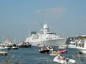 HNLMS De Ruyter (F804) - Image: F804 Sail 2005
