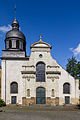 Façade ensoleillée de l'église Saint-Étienne, Rennes, France.jpg