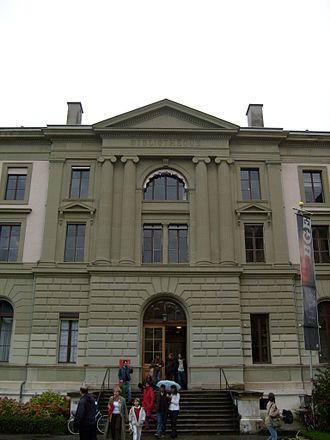 Bibliothèque de Genève - The main library's entrance in Parc des Bastions