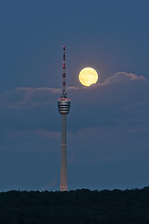 Fernsehturm Stuttgart - Image: Fernsehturm Stuttgart and Full Moon Summer 2013 06