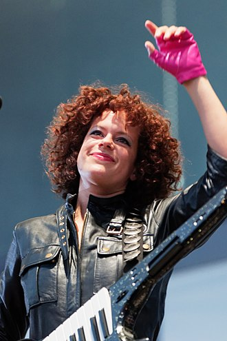 Régine Chassagne - Chassagne performing with Arcade Fire in 2017