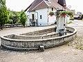 Fontaine-lavoir semi-circulaire. Rue des chalets. Aubonne.jpg