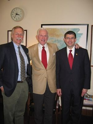 Frank Broyles - Broyles (center) with Reps. Vic Snyder (left) and Mike Ross (right)