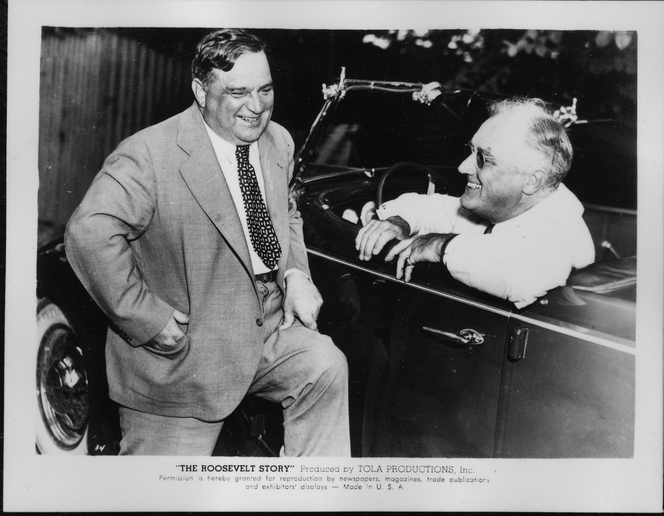 Franklin D. Roosevelt and Fiorello LaGuardia in Hyde Park - NARA - 196764