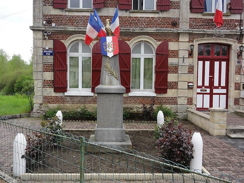 Fressancourt (Aisne) monument aux morts