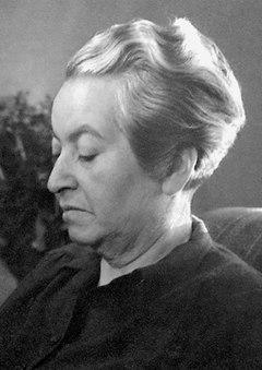 Gabriela Mistral, fotograferet af Anna Riwkin-Brick i 1945.
