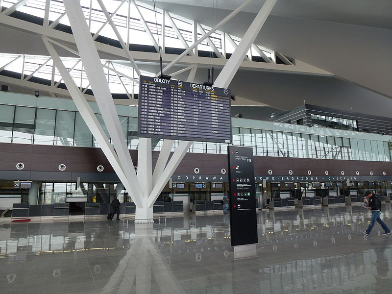 Plik:Gdansk-Lotnisko-Terminal2 3.JPG
