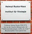 Gedenktafel Rahel-Hirsch-Weg (Mitte) Helmut Ruska.jpg