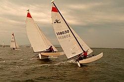 Glenans Raid Cata 2011 sur l eau 06.jpg