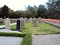 Gravar i Hemmesdynge kyrkogård.JPG
