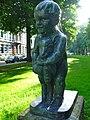 Groningen - Kind met lam (1955) van Fransje Carbasius - 3.jpg