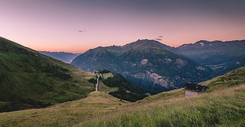 File:Grossglockner High Alpine Road, Austria (Unsplash mbc6XPuv3Qw).jpg