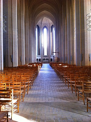 Grundtvig's Church - Image: Grundtvigskirken Church chairs