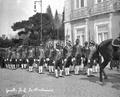 Guarda Real dos Archeiros no funeral de D. Carlos e de D. Luís Filipe (1908-02-08) - António Novais.png