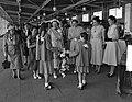 H.M. de Koningin bezoek Nederlandse Vereniging van Huisvrouwen Hilversum, Bestanddeelnr 906-5243.jpg